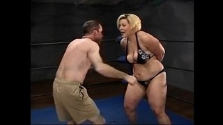 Amazon-Gina-Body-Slammin-Bitch-Beats-Up-Alex