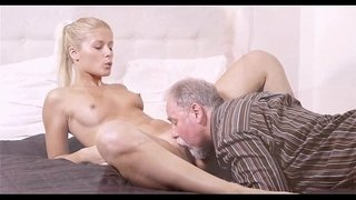 Old-man-eats-youthful-pussy