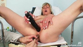 Nada-visits-her-gyno-doctor-for-mature-pussy-speculum-gyno-exam