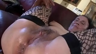 Dirty-anal-loving-granny