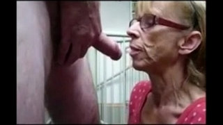 Grandma-from-EpikGranny.com-gives-great-blowjob