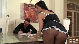 Bombshell-maid-Sheila-Grant-foot-fucked-to-the-extreme-for-loads-of-cum