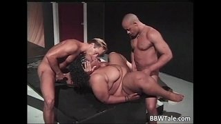Big-fat-cute-ebony-slut-blows-cock